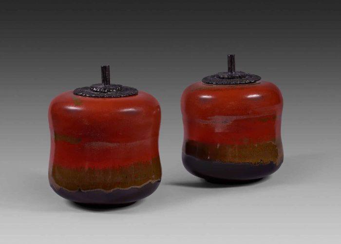 paire boites ceramiques silhouette rouge kaki couvercle bronze